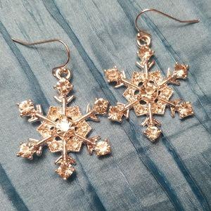 Holiday snowflake earrings